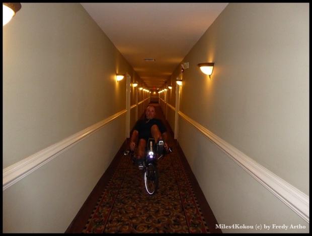 Macht übrigens Spass! Mit dem Liegerad auf dem Hotelflur zum Zimmer fahren :-)