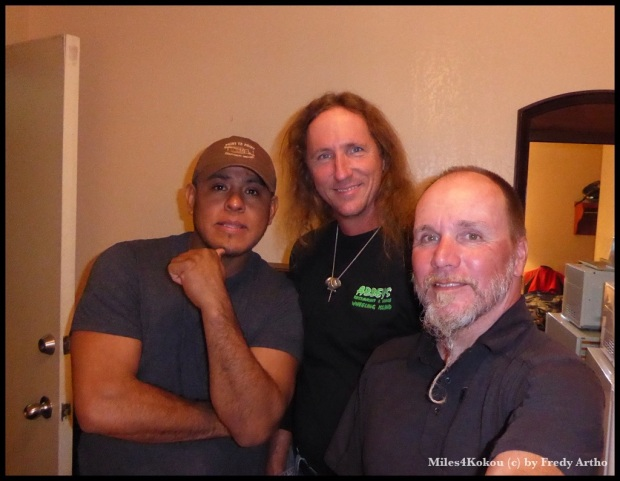 John, der grosszügige Sponsor in der Mitte, sein Kollege Fernando und ich.