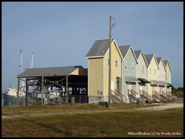 Ein Bootshaus. (typisch Amerika: Hauptsache die Fasade stimmt)