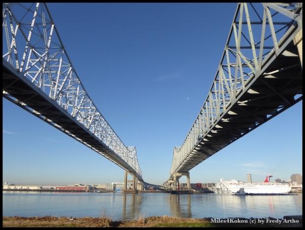 Abschied von New Orleans unter den beeindruckenden Brücken.