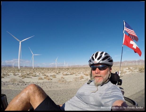 Radeln vor Windrädern