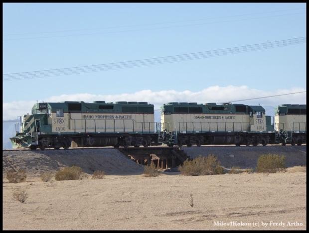 Für Eisenbahnfreunde: Wohl ein seltenere Anschrift an diesen Loks.
