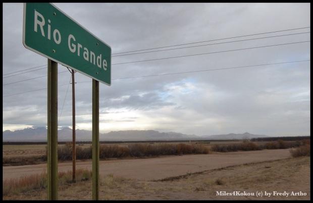Staubtrockener Rio Grande. Ein trauriger Anblick.