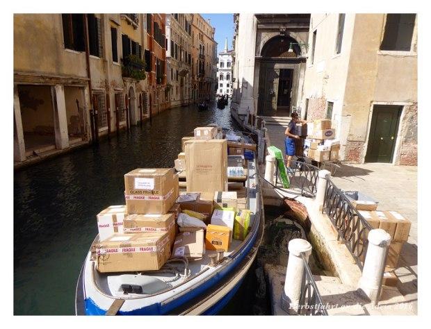 Postlieferung in Venedig